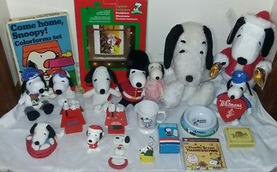 LARGE LOT Vtg Snoopy Belle knickerbocker hallmark musical toys plush ornaments