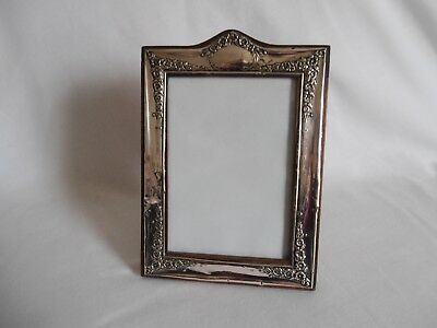 Silver Photograph Frame. Decorated With Flowers. Chester 1911/12.