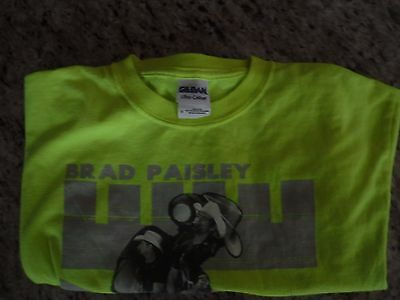 Brad Paisley H2O Frozen Over World Tour Country Music T-Shirt Size Small Yellow