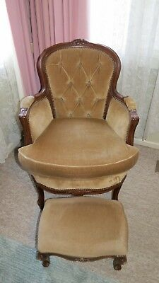 Vintage bedroom - Louis style boudoir chair & matching chair - button back