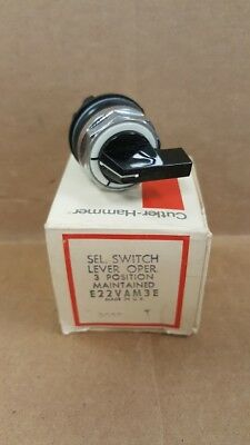 Eaton Cutler Hammer E22VAM3E 3 Position Maintained Selector Switch New Old Stock