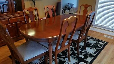 Broyhill Cherry Dining Room set table with leaf, 6 chairs, and china cabinet