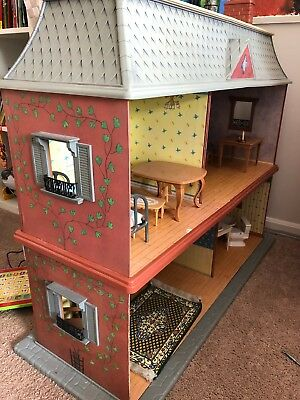 Madelineu0027s Old House In Paris Dollhouse Furniture Dolls   Excellent  Condition