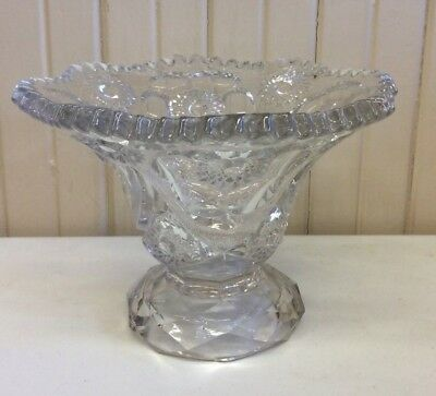 Beautiful Cut Glass Crystal Bowl with Scalloped Edge (A)