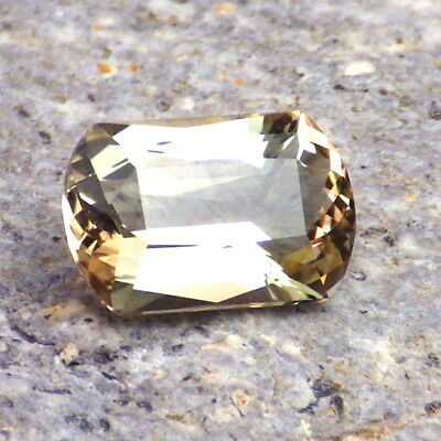 GOLD-PINK OREGON SUNSTONE 2.62Ct FLAWLESS-FROM PANA MINE-FOR JEWELRY!