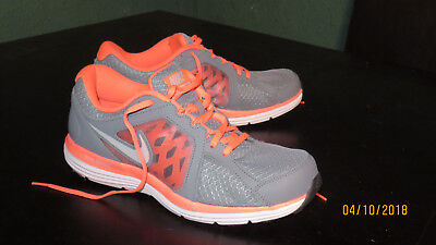 the best attitude 17502 76eee Nike Dual Fusion ST3 Women s Running Shoes Size 11 Pink and Grey 657498-001