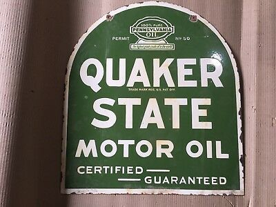 """Porcelain Sign QUAKER STATE MOTOR OIL SIZE 24.5"""" X 21.5"""" INCHES Pre-Owned Pre-Ow"""