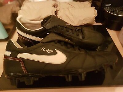 Nike Ronaldinho R10 Football Boots Size UK 11