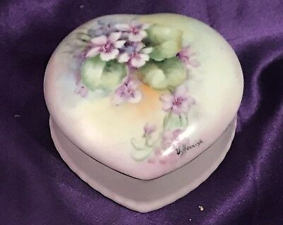 Beautiful Mid-Century Hand Painted Violets / Signed Porcelain Heart Trinket Box
