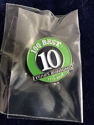 PUBLIX 100 BEST COMPANIES 10 YEARS RUNNING PIN Nice