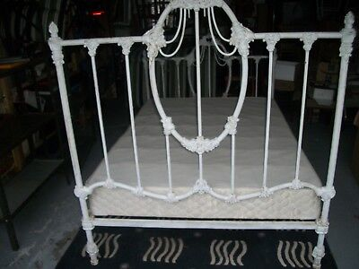 Antique Victorian 1900's Full Size Cast Iron BED Very Heavy Very Ornate Pick-up