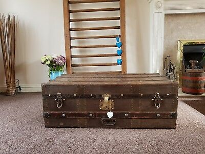 VINTAGE STEAMER TRUNK CHEST COFFEE TABLE BLANKET BOX/ vintage luggage