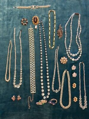Job lot of good quality vintage and Antique costume jewellery.