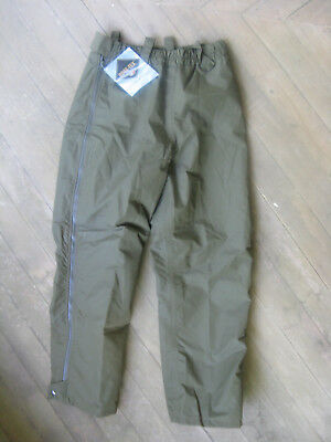 Gor-Tex Dark Green Rain Pants, Lined, Full Leg Zip Size Unisex Med, New with tag