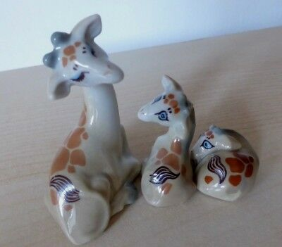 FAMILY of BLUE EYED GIRAFFES GIRAFFE BEAUTIFUL SET of 3 ANIMALS WADE WHIMSIES