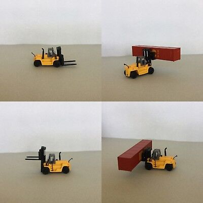 N Scale TCM FD200 Large Fork Lift (Yellow)