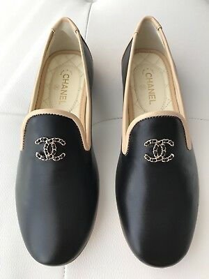 2ffa5137306  750 CHANEL CC LOGO BLACK AND BEIGE LEATHER LOAFERS MOCCASINS SHOES size 34