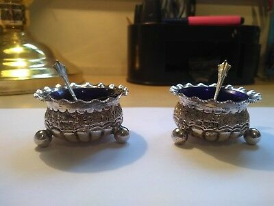 Pair of Victorian Hallmarked Silver Salt Cellars/Dishes (Liners & Spoons) 1893/4