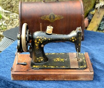 Antique Singer Sewing Machine No:11740613 Made in 1893