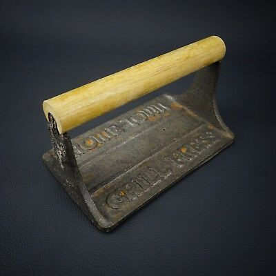 Vtg ANTIQUE Cast Iron Home Town BACON Grill Press w/ Pig On Bottom WOOD HANDLE