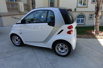 """2015 Smart Fortwo  """"Vehicle is in like new condition, 62 miles only, RARE"""".  WARRANTY."""