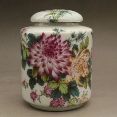 Chinese old hand-made porcelain famille rose chrysanthemum pattern tea caddy