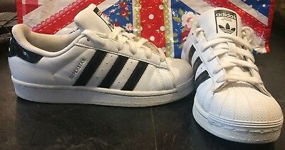 Girls Boys Adidas Superstar Trainers White Black Size 3 All Stars