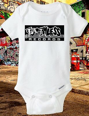 64ccbfa57 Onesie Toothless Records (Ruthless Record, Baby shower, Baby Clothes, Eazy-E