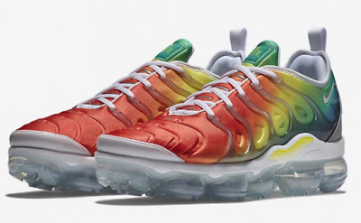 fe617bef44621 Nike Air VaporMax Plus RAINBOW White Neptune Green Dynamic 924453-103  Authentic