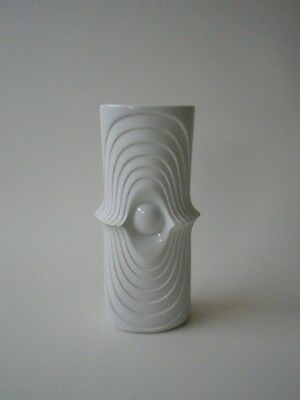 Royal KPM Vase SWING Weiss Bisquit matt 755/21 Relief Space Age Pop Art