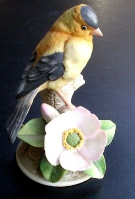 Porcelain GOLDFINCH 7038 by Andrea 1984 Figurine Bird