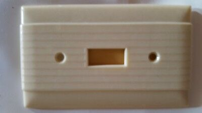 Vintage Ivory Bakelite Switch Plate Cover Center Ribbed Art Deco NOS 92071