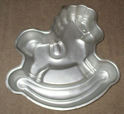 wilton horse cake pan instructions