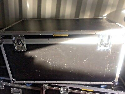 Flightcase with wheels.  Approx 123 x 63 x 63 cms - General purpose road trunk