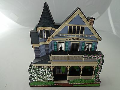 Shelia's Collectibles – 2000 Hart House, Raleigh, NC Made USA - Victorian Style