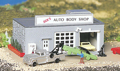 "Bachmann 45708 Ready Built ""auto Body Shop"" ***n Scale*** Layout Ready"