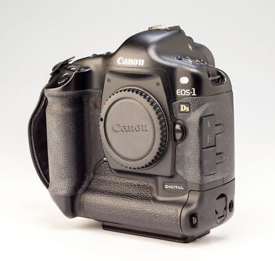 Canon EOS 1Ds 11.1MP Digital SLR Camera - Black (Body Only)