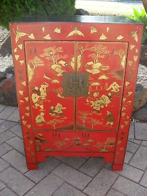 Stunning Chinese Cabinet In Black & Red - Oriental Antique Style