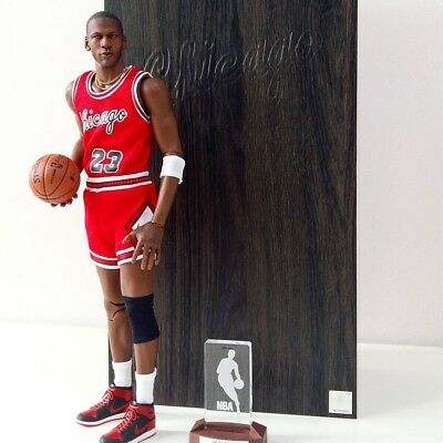 1af112c659c5 Enterbay Michael Jordan Rookie Chicago Bulls  23 Limited Edition 1 6 Figure