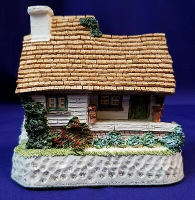 "David Winter Cottages ""The Model Dairy"" Figurine"
