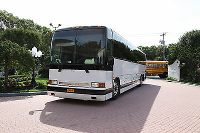 5/8/18: Price Reduced for Quick Sale: 2001 Prevost XL-II with 630,000 miles