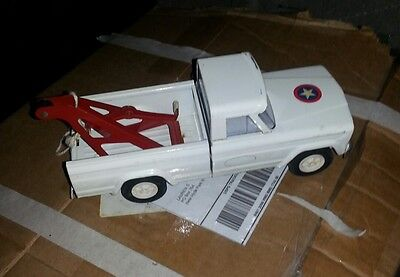 Vintage 1960s Tonka Jeep Tow Truck Wrecker Pickup White Toy Stamp Great