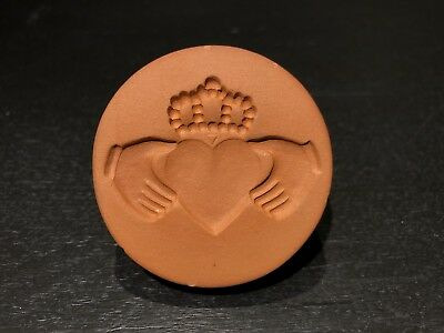 Rycraft Cookie Stamp #435 Irish Claddagh Robin Rycraft 2005 Terracotta