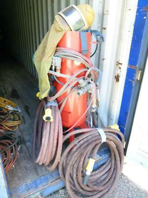 Sandblasting unit with hoses, deadmans handle and helmet