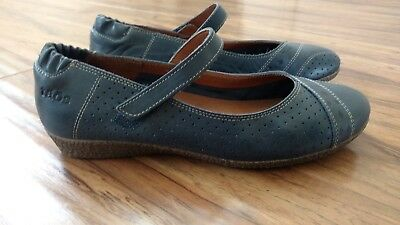 Taos Step It Up Dark Blue shoes women size 7-7.5 EXCELLENT CONDITION