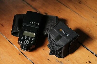 Canon Speedlite 430EX Shoe Mount Flash For Canon with small diffuse box