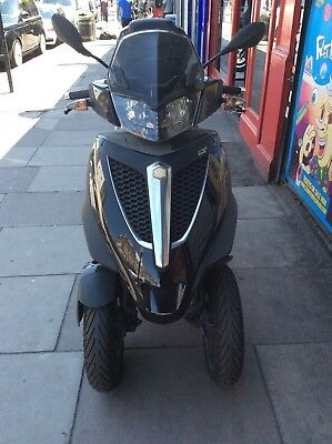 SPARES OR REPAIRS Piaggio MP3 300 Yourban  LT Scooter Tricyle