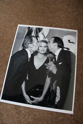 Hammer Horror - Peter Cushing & Christopher Lee - Rare Candid 10X8 Photo