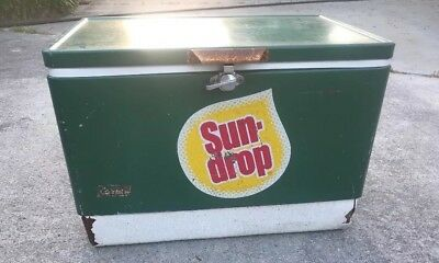 Vintage Coleman SUNDROP Soda Chest  Ice Cooler Green Coke Product Rare Item