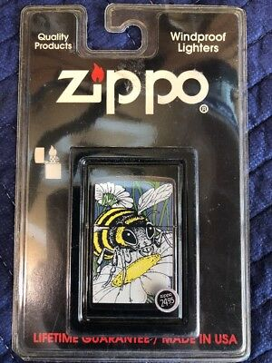 ZIPPO BEE BACKYAD INSECTS BARRETT-SMYTHE COLLECTION  LIGHTER 1994 Brand New